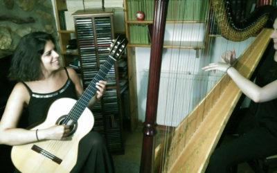 Diumenge, 18 d'agost de 2019, 12.30h | MARIA GIBERT I LAURA NÚÑEZ – Duet arpa & guitarra | Teatre Abadia – ARBECA
